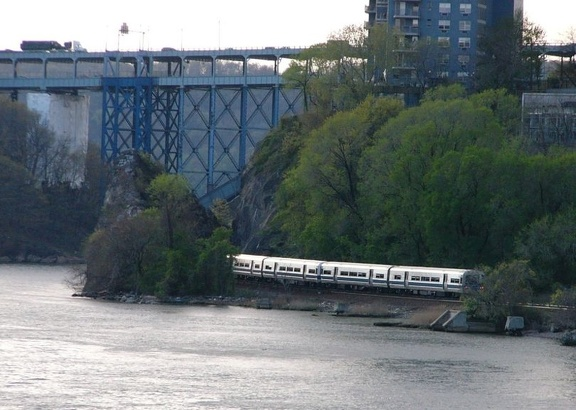 MNR M-1 @ Henry Hudson Bridge(Hudson Line). Photo taken by Brian Weinberg, 4/27/2004.