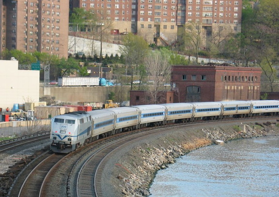 MNR P32AC-DM 209 @ Marble Hill (Hudson Line). Photo taken by Brian Weinberg, 4/27/2004.