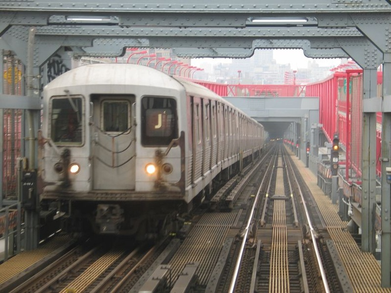 R-42 @ Williamsburg Bridge (J). Photo taken by Brian Weinberg, 1/3/2005.