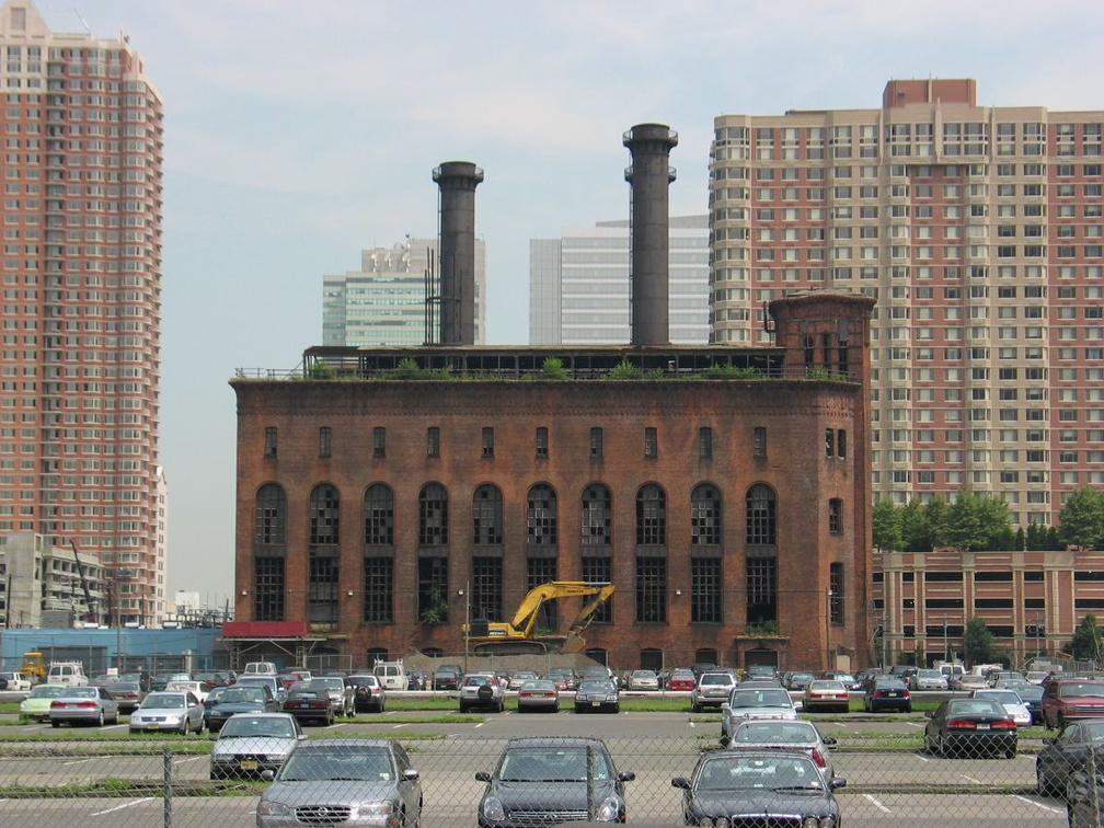 H&M Power House in Jersey City. Photo taken by Brian Weinberg, 07/30/2003.