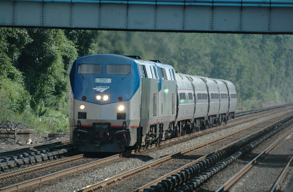 Amtrak P32AC-DM 700 and 716 @ Riverdale (MNCR Hudson Line) [Train 291 ??]. Photo taken by Tamar Weinberg, 7/24/2005.