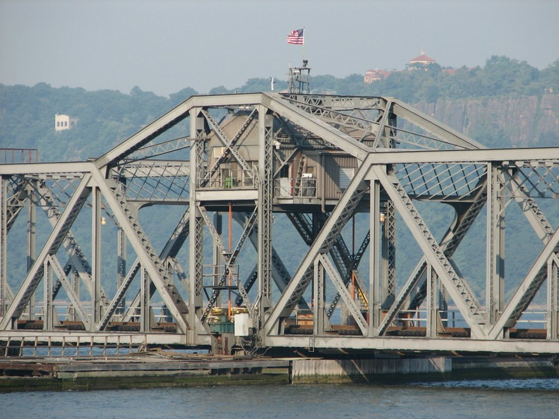 The middle (swing) span of the Spuyten Duyvil swing bridge. Photo taken by Brian Weinberg, 8/2/2005.