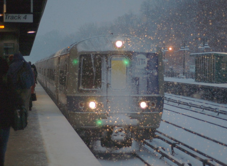 MNCR M-3a 8123 @ Riverdale (Hudson Line). Photo taken by Brian Weinberg, 12/9/2005.