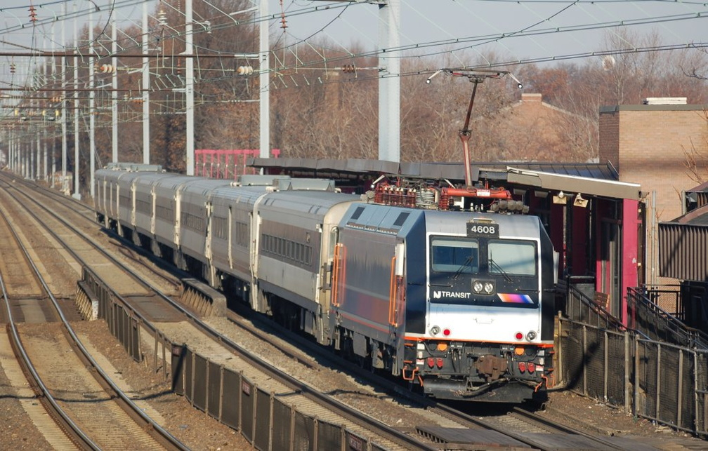NJT ALP-46 4608 @ Elizabeth, NJ. Photo taken by Brian Weinberg, 12/18/2005.