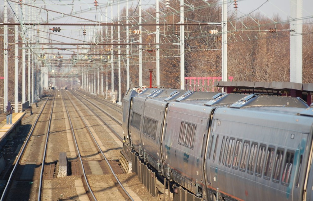 Amtrak Acela Express 2027 @ Elizabeth, NJ. Photo taken by Brian Weinberg, 12/18/2005.