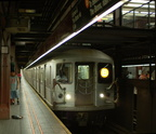 R-40M 4462 @ 34 St - Herald Sq (B). Photo taken by Brian Weinberg, 7/26/2006.