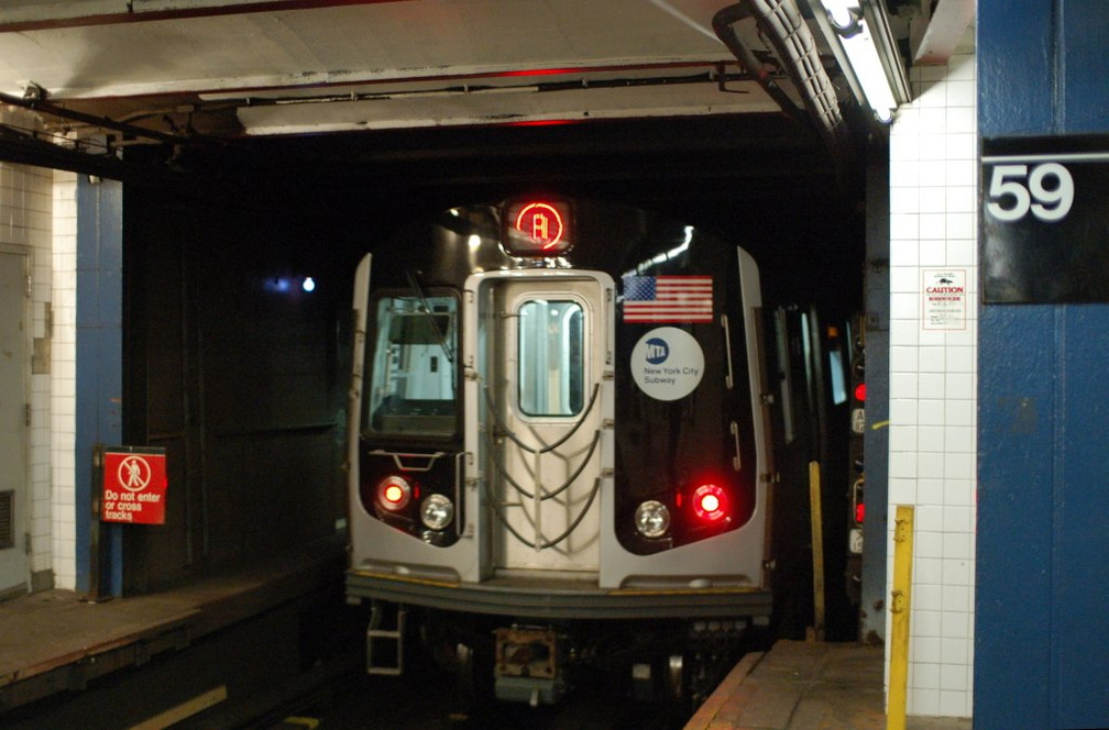R-160A-2 8662 @ 59 St - Columbus Circle (A). Set is on 4th run of first day of 30-day test. Photo taken by Brian Weinberg, 10/16