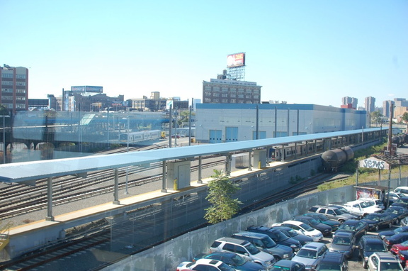 MNCR M-7A & LIRR M-7 @ Arch St shops. Photo taken by Brian Weinberg, 10/13/2006.
