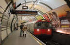 1973 Tube Stock @ Gloucester Road (Piccadilly). Photo taken by Brian Weinberg, 12/30/2006.