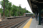 Unrehabbed southbound platform @ Irvington (MNCR Hudson Line). Photo taken by Brian Weinberg, 5/17/2007.