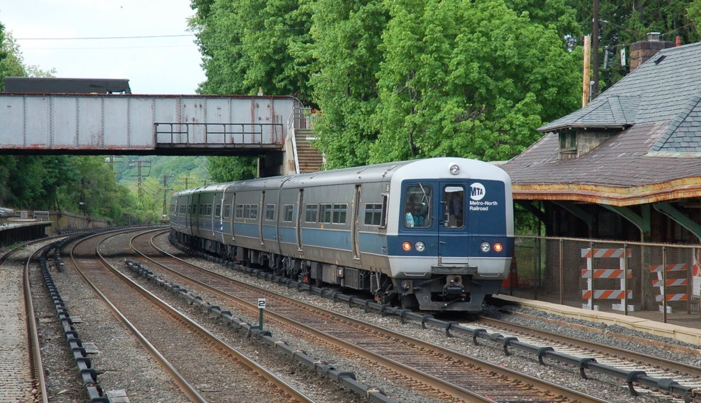 Metro-North Commuter Railroad M-3A 8073 @ Irvington (Hudson Line). Photo taken by Brian Weinberg, 5/17/2007.