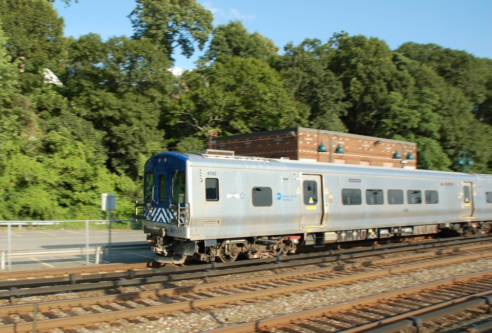 Metro-North Railroad M-7A 4193 @ Riverdale (Hudson Line). Photo taken by Brian Weinberg, 6/24/2007.