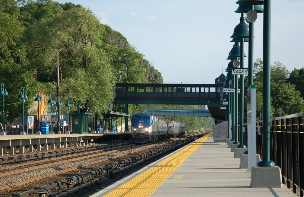 Amtrak P32AC-DM 710 @ Riverdale (Hudson Line). Photo taken by Brian Weinberg, 6/24/2007.