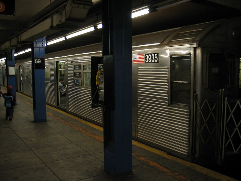 R-32GE 3935 @ 59 St - Columbus Circle (C). Photo taken by Brian Weinberg, 8/29/2003.